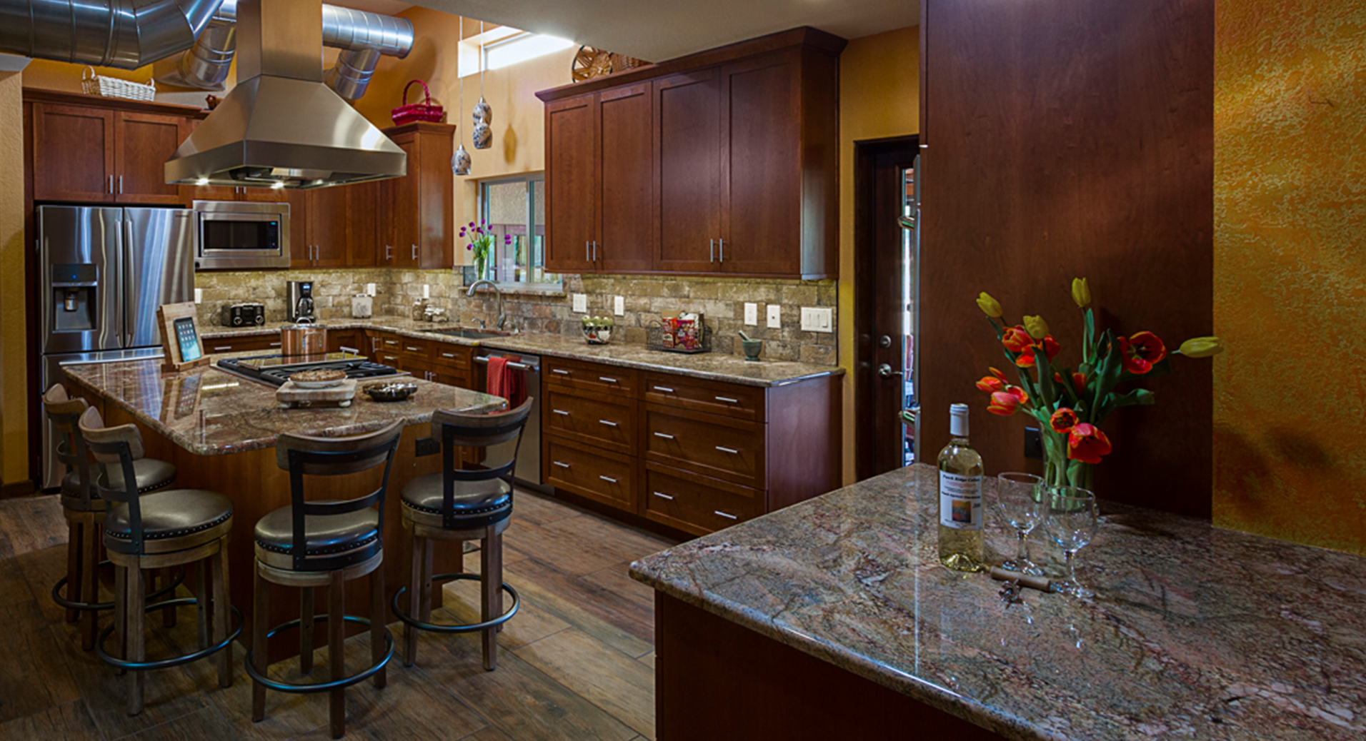 Kitchen Amp Bathroom Cabinets Woodharbor Custom Cabinetry